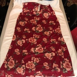 NWT Agnes & Dora size L red floral Maxi Skirt.